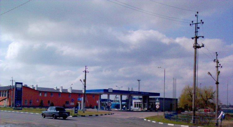 Заправка на трасе Херсон-Керч в Копанях